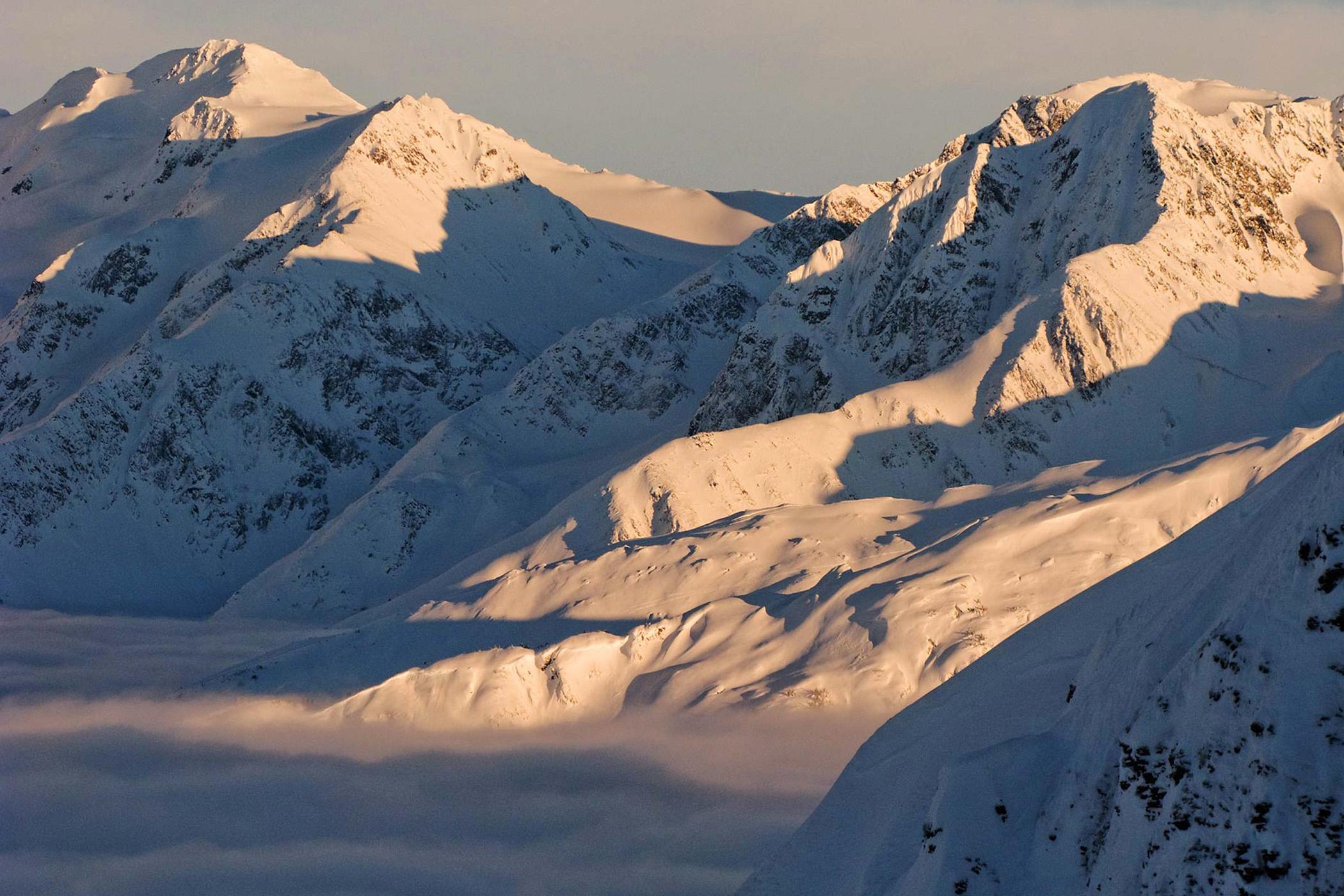Cugach-Range-Sunset,-Girdwood,-AK